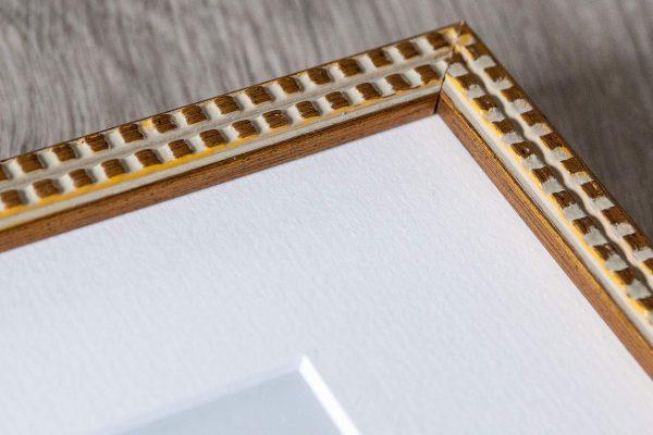 MC_frame_gold_detail